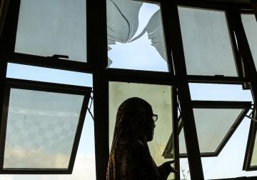 أضرار في منازل المواطنين بغزة جراء قصف للاحتلال فجر الاثنين