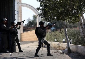 مواجهات بين الشبان وجنود الاحتلال في قصرة جنوب نابلس