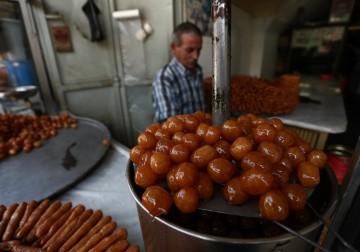 مشاهد رمضانية من الأسواق الفلسطينية