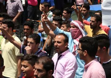 نُصرةً للأقصى.. طلاب جامعة النجاح ينظمون مسيرة وسط نابلس