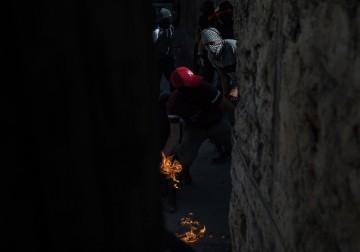 مواجهات عنيفة بين الشبان وجنود الاحتلال في العيسوية