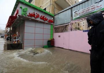 غرق شارع القدس رام الله بفعل المنخفض الجوي