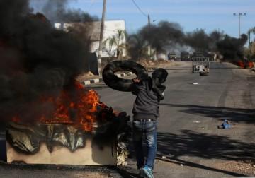 مواجهات بين الشبان وجنود الاحتلال في قرية قصرة