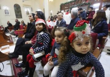 الاحتفال بعشية عيد الميلاد في كنيسة دير لاتين بغزة