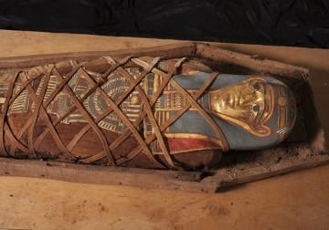 جولة مصورة مع مومياء الفيوم المصرية