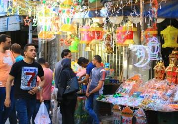 غزة تستقبل الشهر الفضيل