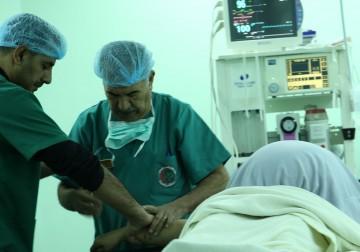 نجاح عملية مُعقّدة لاستئصال ورم خطير لسيدة في غزة