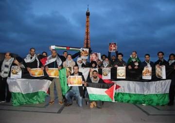 من باريس متضامنون مع القيق والأسرى .