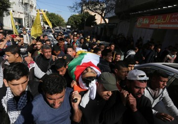 تشييع جثمان الشهيد أحمد أبو جبل شرق غزة