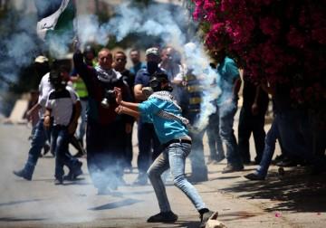 مواجهات بين الشبان وقوات الاحتلال خلال مسيرة كفر قدوم 27-5-2016