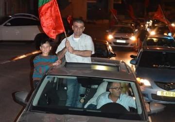 قوات الاحتلال الصهيوني تفرج  الاسير الصحفي نضال أبو عكر بعد اعتقال لمدة عامين