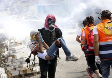 عشرات الإصابات خلال قمع الاحتلال للمسيرات الأسبوعية بالضفة