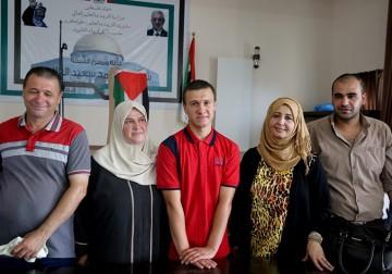 أحمد دروبي: الأول على فلسطين في الثانوية العامة