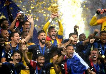 فرنسا تتوَّج بكأس مونديال روسيا