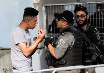 حواجز وإجراءات مُشدّدة للاحتلال في محيط الأقصى