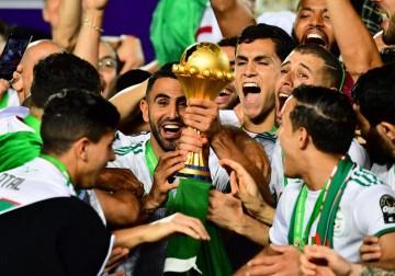 """""""محاربو الصحراء"""" ينتزعون كأس الأمم الإفريقية"""