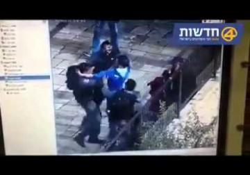 فيديو/ لحظة طعن الجنود واطلاق الرصاص على شاب واستشهاده