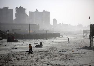 الأجواء العاصفة في قطاع غزة
