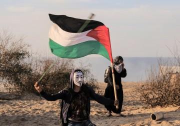 مواجهات بين متظاهرين فلسطينيين وجنود الاحتلال شمال قطاع غزة