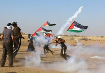 """إصابة العشرات خلال قمع الاحتلال للمُشاركين في جمعة """"لبيك يا أقصى"""""""