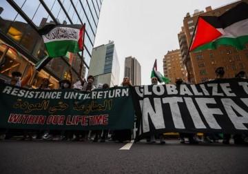 تظاهرة في نيويورك تضامنًا مع فلسطين وتأكيدًا على حق العودة