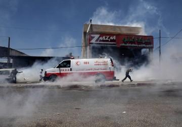 """مواجهات عنيفة في بلدة """"بيتا"""" جنوب نابلس رفضًا للاستيطان"""