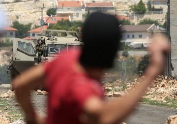 قلقيلية - مواجهات بين الشبان وجنود الاحتلال الاسرائيلي