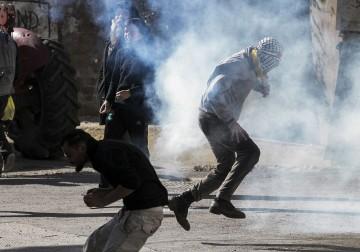 مواجهات مع قوات الاحتلال التي قمعت مسيرة كفر قدوم