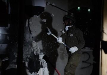 الاحتلال يهدم منزل الأسير عرفات إرفاعية في الخليل