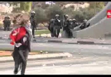 فيديو/ لحظة إفراج عن فتاة طاردها الاحتلال واعتقلها قرب مستوطنة بيت إيل