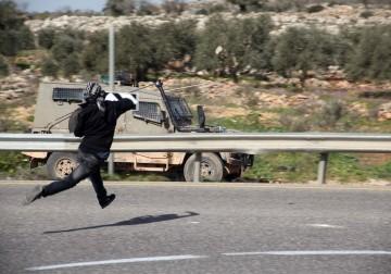 مواجهات عنيفة في قرية المغيّر قرب رام الله