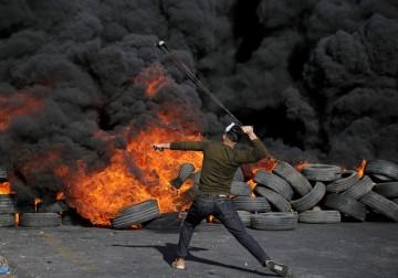 أبناء شعبنا بالضفة يواصلون الالتحام والاشتباك مع الاحتلال