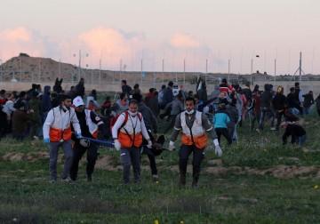 """عشرات الاصابات في جمعة """"الوحدة طريق الانتصار وافشال المؤامرات"""""""