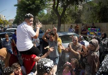 فرحة طلاب الثانوية العامة بالنجاح في الضفة وغزة