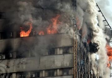 مقتل عشرات رجال الإطفاء خلال انهيار برج في طهران