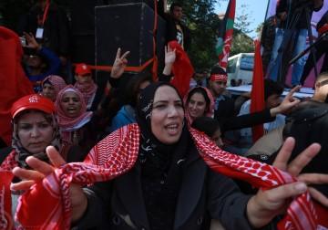 عشرات الألوف من أنصار الجبهة يحيون ذكرى الانطلاقة بمسيرة جماهيرية حاشدة في غزة