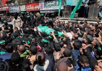آلاف يُشيّعون الشهيد القسّامي مازن فقهاء بغزّة