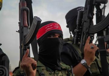 بالصورالأذرع العسكرية لفصائل المقاومة الفلسطينية خلال مؤتمر صحفي في غزة.
