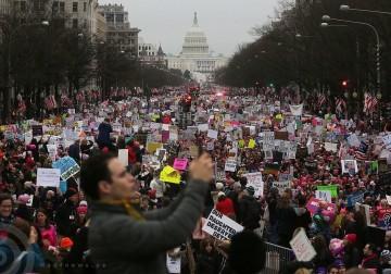 الاحتجاجات تجتاح أمريكا ضد الرئيس الامريكي الجديد دونالد ترامب