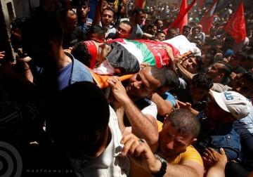 الآلاف يشيعون جثمان الشهيد الصياد بكر غرب مدينة غزة