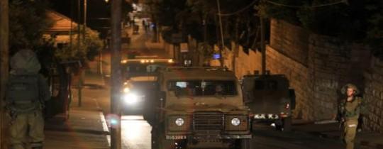 مداهمات ليلية لجيش الاحتلال بالضفة