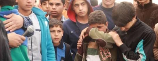 الاطفاال في احدى مدارس غزة
