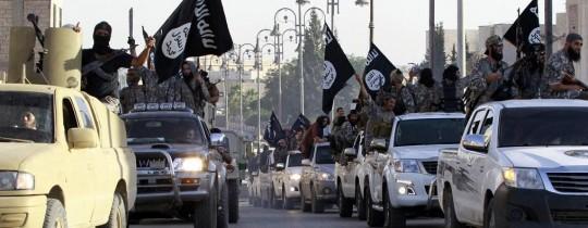 موكب لعناصر تنظيم الدولة