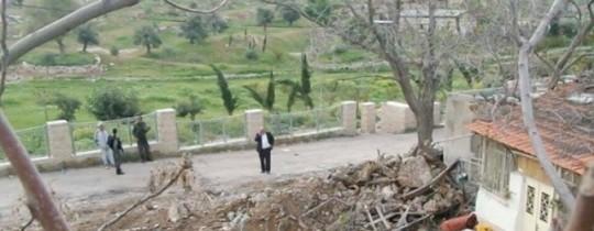 عمليات الهدم  لأجزاء من منزل عائلة عمر بالقدس القديمة - وكالات