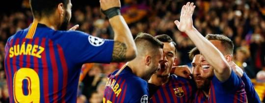 لاعبو برشلونة يحتفلون بالتسجيل في مرمى مانشستر يونايتد 16 أبريل/نيسان 2019. أ ف ب