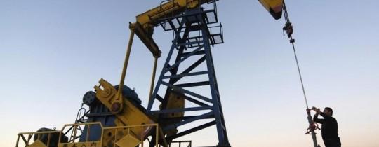 احدى رافعات النفط بقطر