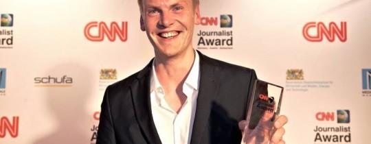 حاز ريلوتيوس جوائز عدة عن قصص استقصائية