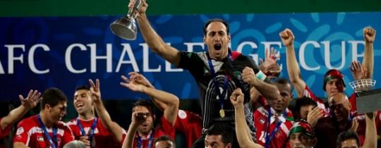 المنتخب الفلسطيني أنثاء تتوجيه ببطولة التحدي الاسيوية العام الماضي