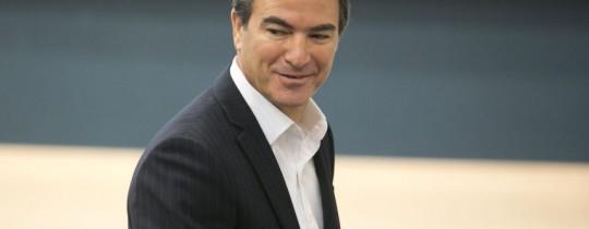 مدير الموساد الصهيوني يوسي كوهين المقرب لنتنياهو