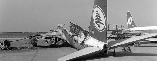 إحدى الطائرات التي جرى تدميرها
